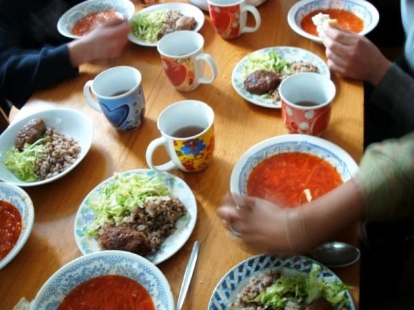Lunch (at the orphanage nr. Kremenchug)