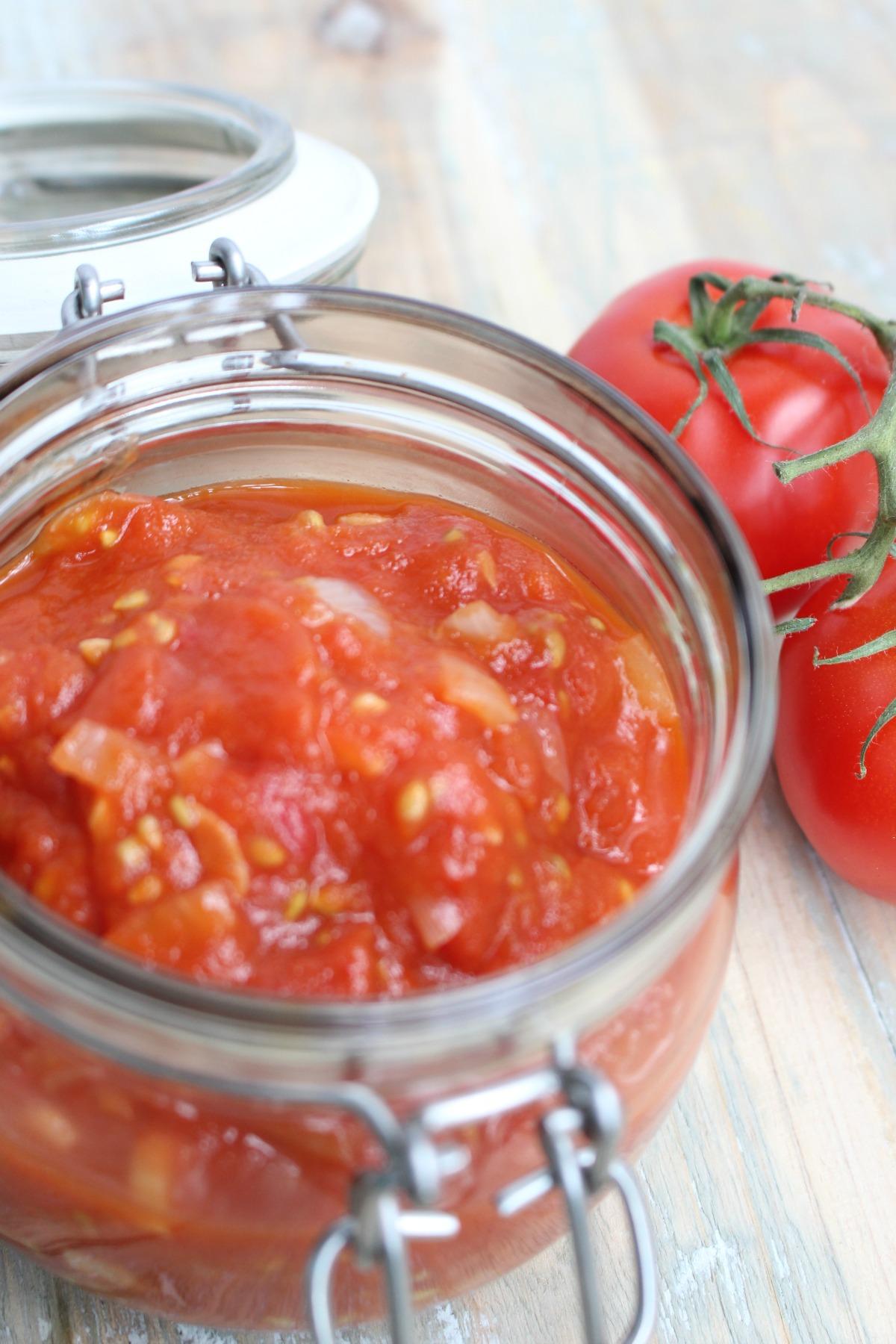 Tomatensaus in potje