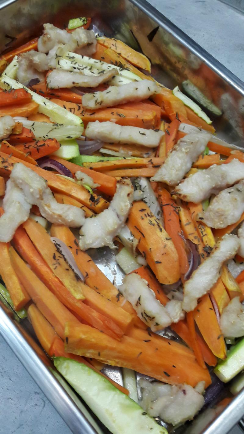 reepjes groenten en vis uit de oven
