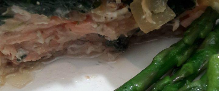 Zalm in filodeeg met spinazie