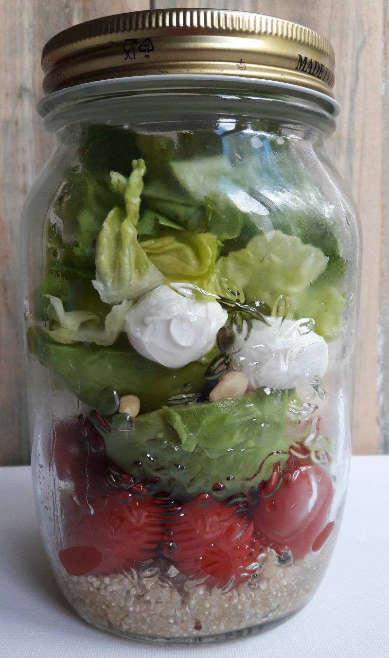 Salad in a jar - dus salade in een potje om mee te nemen naar je werk