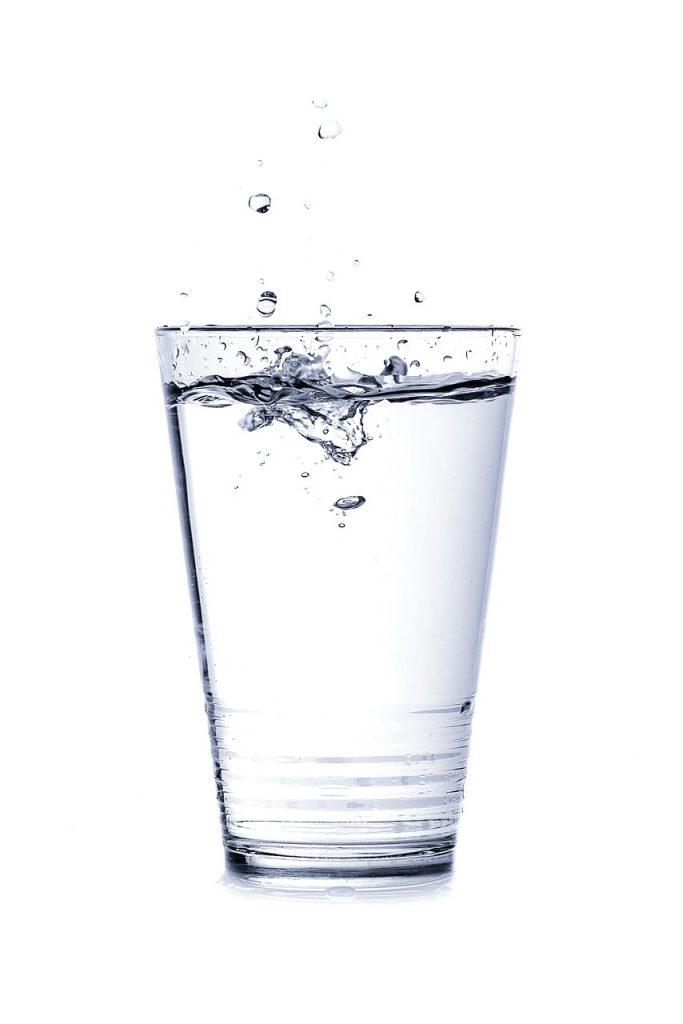 Glas water - artikel over bulk drinken