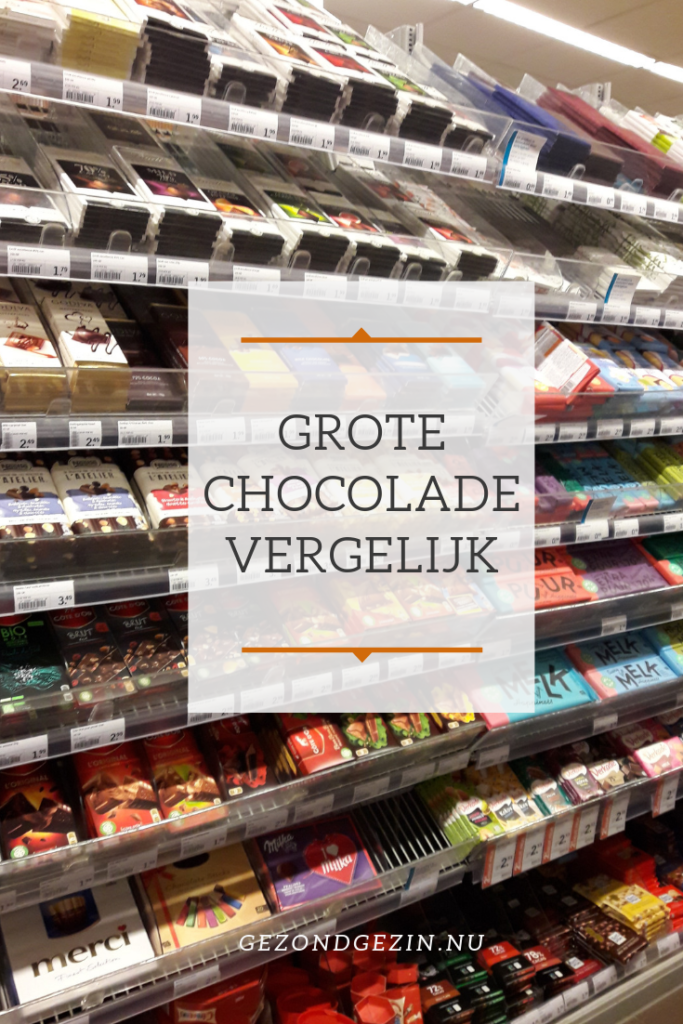 schap chocoladerepen in de supermarkt