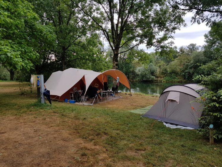 vouwwagen op onze campingplek