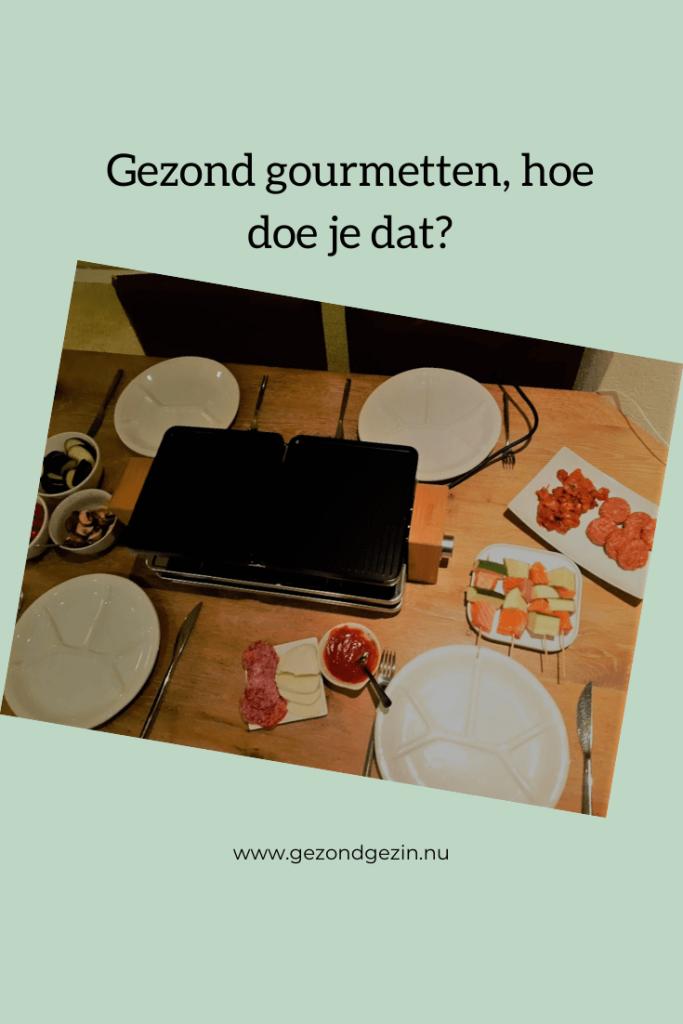 Tafel gedekt met gourmetten