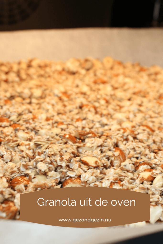 granola op een bakplaat