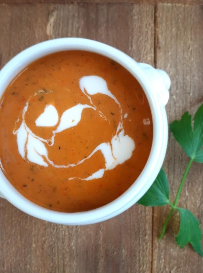 kruidige wortel paprikasoep