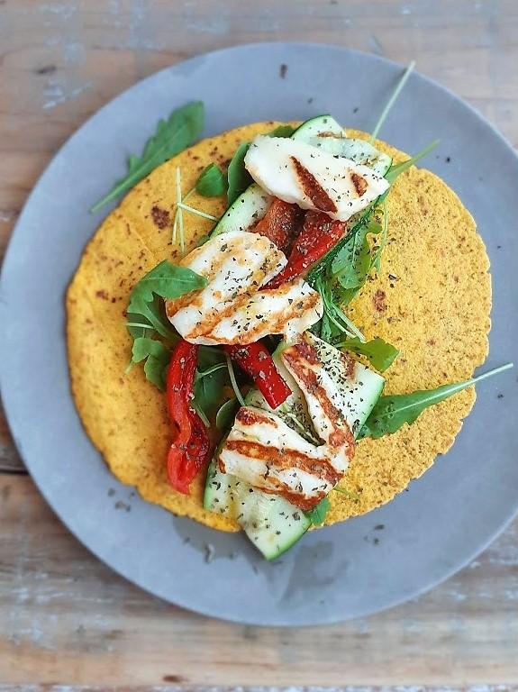 Wrap met gegrilde groenten en halloumi