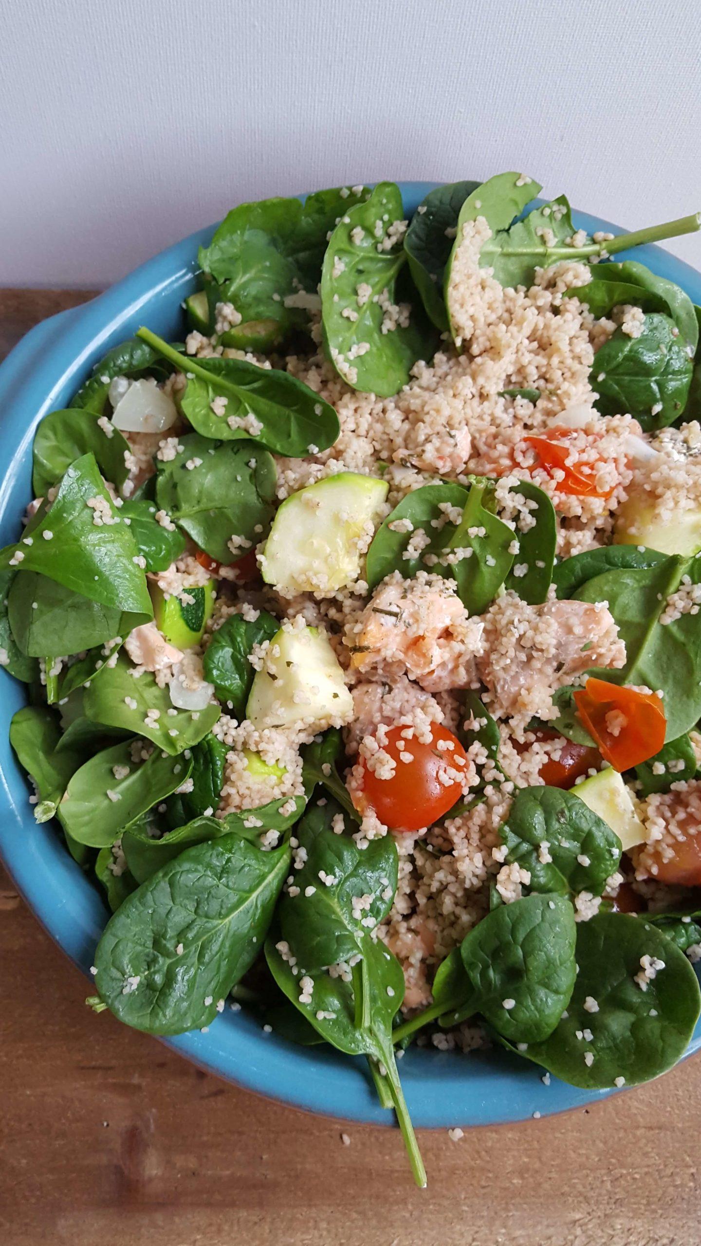 Quinoa salade met zalm en groenten uit de oven