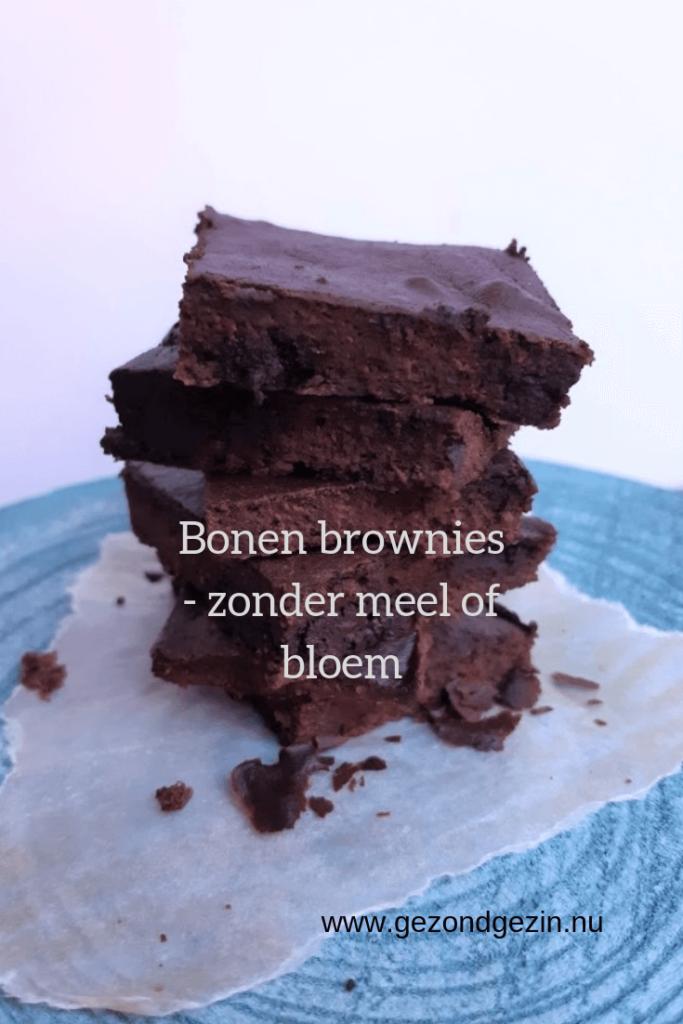 bonen brownies op een stapeltje
